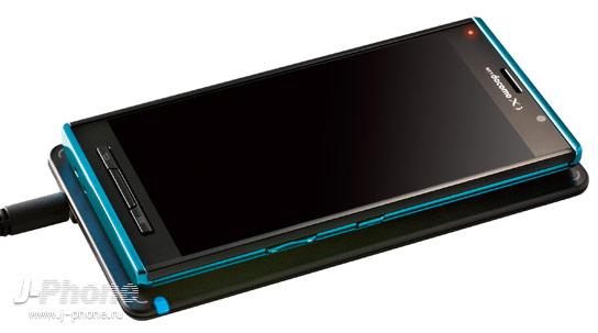 японский смартфон Panasonic Docomo P-02E Eluga X