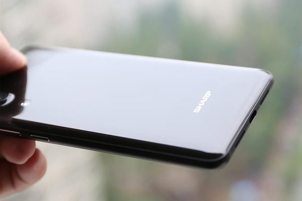 Sharp AQUOS S2: обзор со стороны
