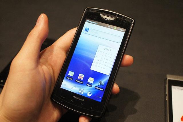 японский смартфон NEC 101S