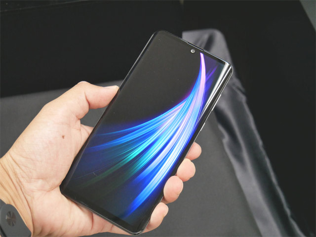 Sharp AQUOS zero2