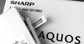 Фотообзор Sharp AQUOS mini SH-M03